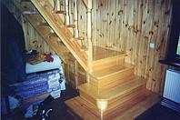 Лестница деревянная изготовление и установка.