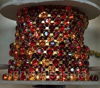 Стразовая цепь Preciosa (Чехия) ss29 Multi Red/латунь