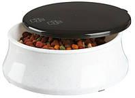 Миска Trixie 24571 для собак пластиковая с крышкой 1,7 л/24 см