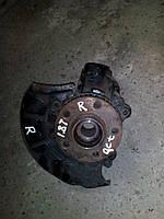 Цапфа (поворотный кулак) правая сторона Skoda Octavia Tour 1.8T