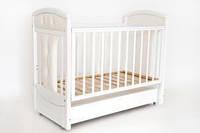 """Детская кроватка """"Vera Premium"""" с продольным механизмом, ящиком, мягкой вставкой ТМ Ласка М Белый KP-01.VER-04"""