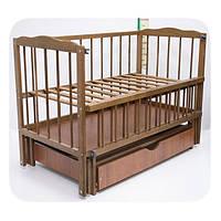 """Детская кроватка для новорожденных """"Малятко"""" с маятниковым механизмом и ящиком ТМ Колисковий світ Лесной орех"""