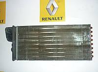 Радиатор печки Renault Master / Movano 98> (BEHR 7701205584)