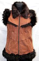 Жилет женский Nebat из кожи и овечьей шерсти - коричневый цвет