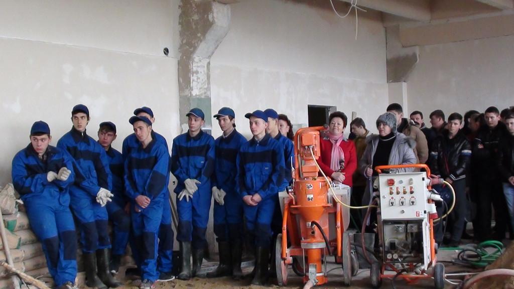 «Улаштування  наливних підлог за допомогою машини PFT G5»