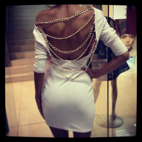 Женские платья с цепочкой