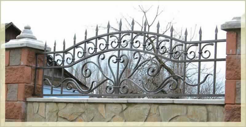 забор с покраской и установкой 950 гр. м.2