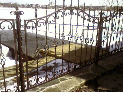 забор с покраской и установкой 820 гр. м.2