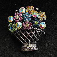[25/30 мм] Брошь металл под капельное серебро Корзинка цветов со стразами нежных переливающихся оттенков