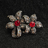 [20/30 мм] Брошь металл под капельное серебро Два цветка красный страз