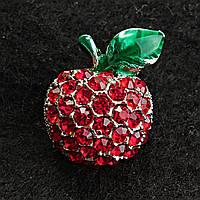 [15/20 мм] Яркая Брошь темный металл яблоко с камнями красного насыщенного цвета и зеленым листочком эмаль