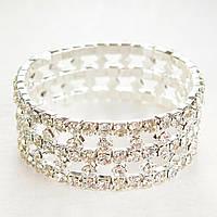 Браслет на резинке стразы белые оригинальный дизайн усыпанный камнями