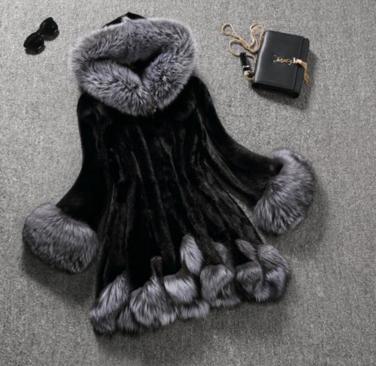 Женская меховая шуба c капюшоном . Модель 1022