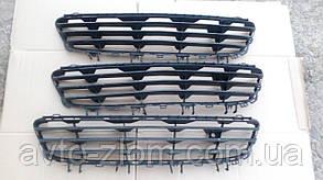 Центральная решетка бампера Opel Astra H.