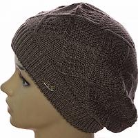Молодежная вязаная шапка для девушки