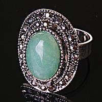 """Кольцо Нефрит  оправа  """"под капельное серебро""""  овальный камень  2,5*1,8 см без р-р"""