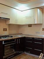 Кухня угловая, пленочная, бежевая, коричневая, радиусная, фото 1