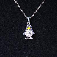 [15х10 мм.] Кулон подвеска на цепочке Пингвин, металл, фиолетовые и белые стразы, клювик желтая эмаль