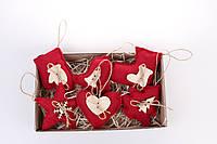 Набор елочных игрушек красный дерево. Подарок при покупке - три дополнительных игрушки в другом цвете