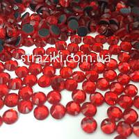Lt.Siam (красные)  ss16 (Красные стразы стекло  12 граней)