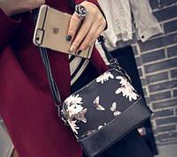Женская сумка через плечо с цветами