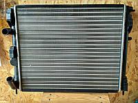 Радиатор (Основной) Dacia Logan 1.4 1.5 dCi 1.6 (без датчика под скобы крепление)