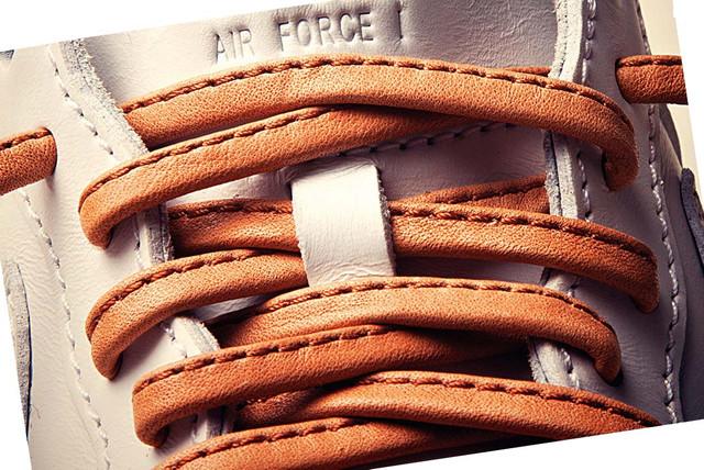 Кожаные шнурки в кроссовках Nike
