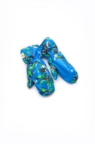 Рукавицы синего цвета