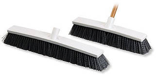 Мётлы, щётки, инструмент для уборки