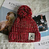 Женская теплая вязаная шапка с бубоном (помпоном) Star красная