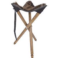 Стул с сиденьем из натуральной шкуры нутрии для охотников