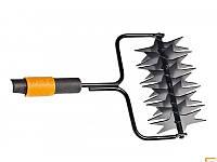 Инструмент для прокалывания газонов Fiskars 136524