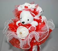 Букет из игрушек и конфет Мишки красные