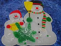 Новогоднее панно Снеговики