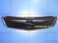 Заглушка решётки радиатора Opel Vivaro верх 2006-2013 матовая Fly. Утеплитель решётки радиатора Опель