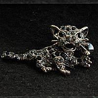 [25/47 мм] Брошь металл под капельное серебро леопард со стразами темно-серого и черного цвета