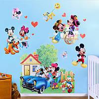 Наклейка виниловая Микки Маус в деревне 3D декор