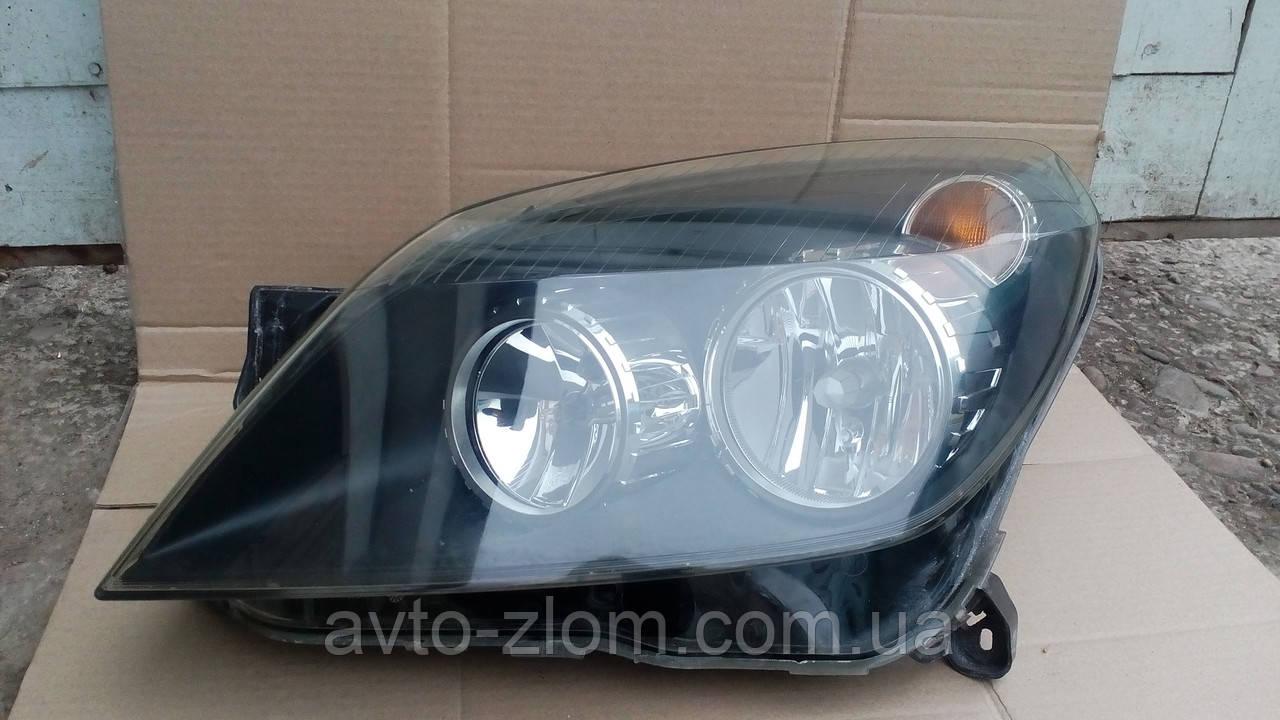 Фара Opel Astra H, Опель Астра левая. Черная.