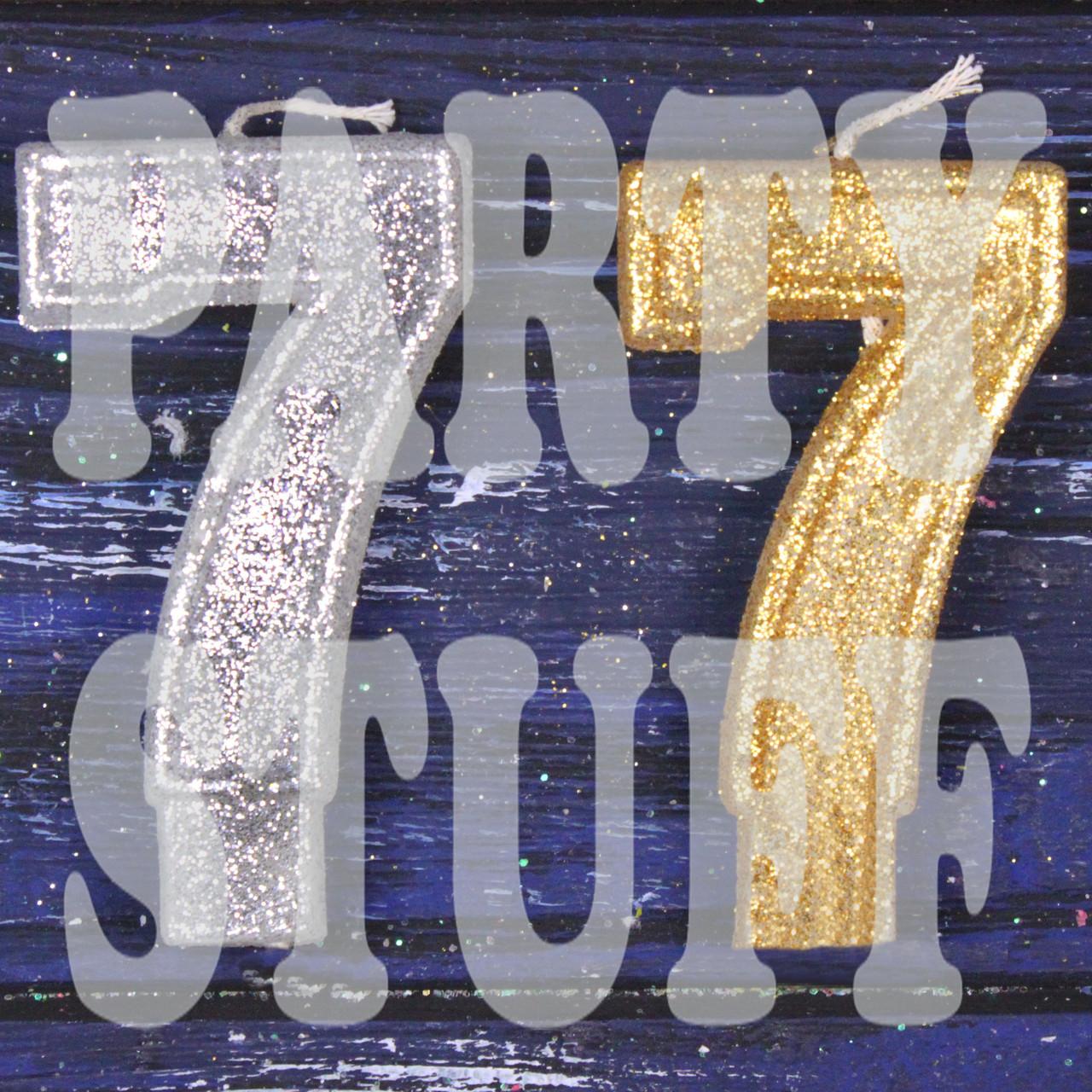 Свеча цифра с блестками 7, серебро+золото