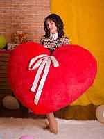 Мягкая подушка Алое Сердце