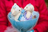 Букет из мягких игрушек Белые мишки