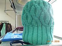 Женская голубая шапочка