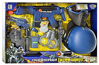 Набор полиции (каска, маска, автомат, пистолет, кобура, наручники) 33540 HN