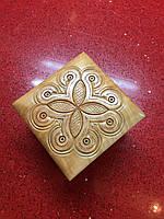 Шкатулка сувенірна дерев'яна ручної роботи інхрустована металом 10*10*7 см, фото 1