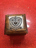 Шкатулка сувенірна дерев'яна ручної роботи 8,5*8,5*8 см, фото 1