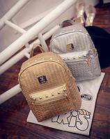 Женский городской рюкзак с заклепками и плетением
