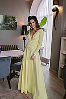 Шикарное однотонное платье в пол с длинным рукавом и откровенным декольте лимонное