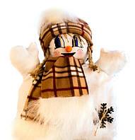 """Подушка """"Снеговик"""" девочка (коричневый шарфик, клетка)"""