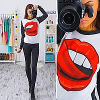 Красивый женский свитшот губы