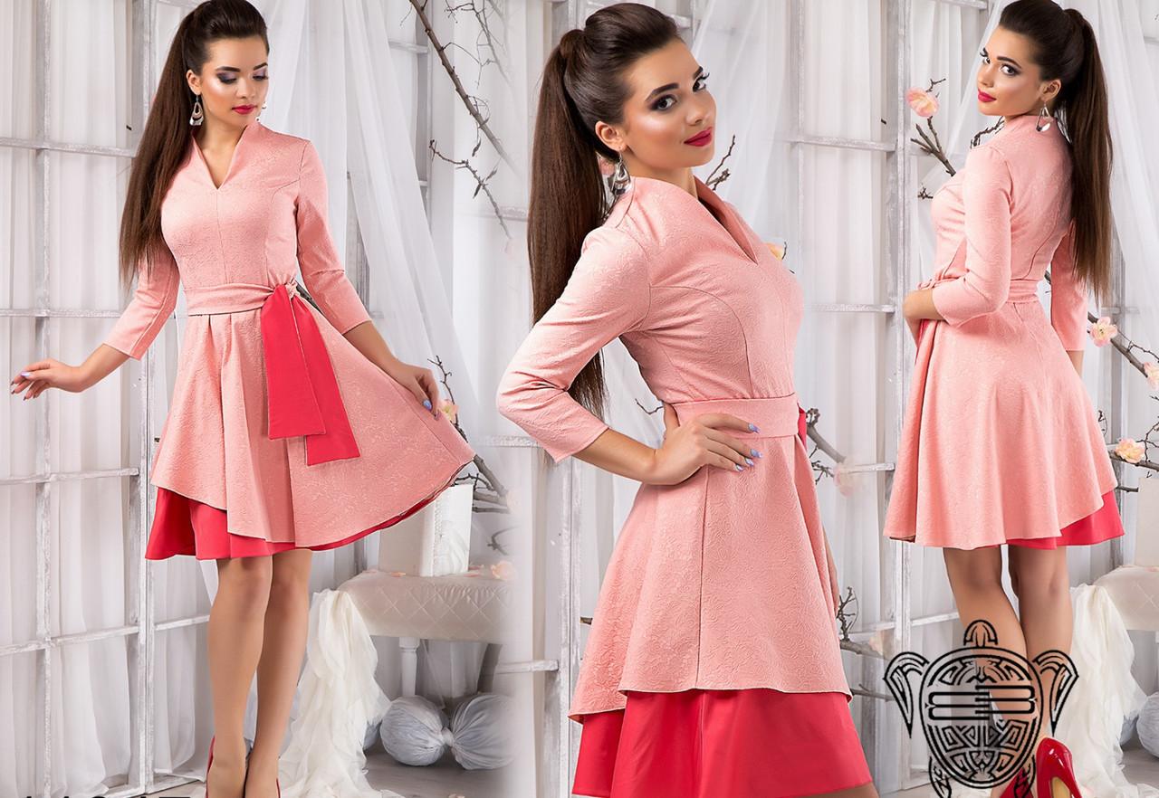 Жаккардовое платье с пышной юбкой